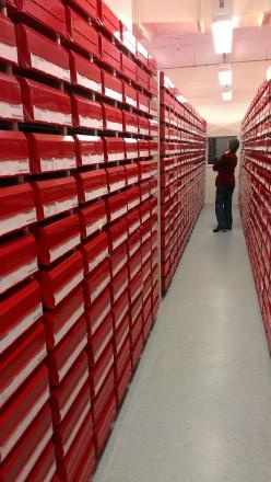 ASC-WA member Nancy Longnecker looks at the collection vault